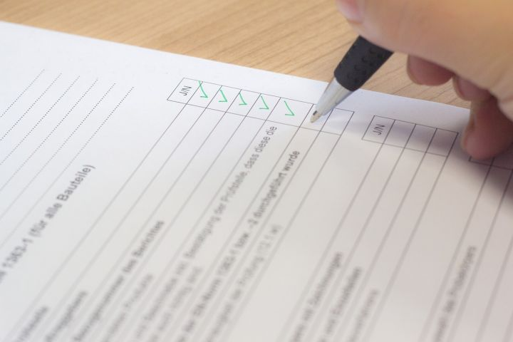 Differences between the CE and the EAC Marking